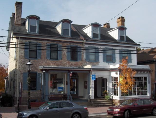 Multi-Tenant Commercial Building