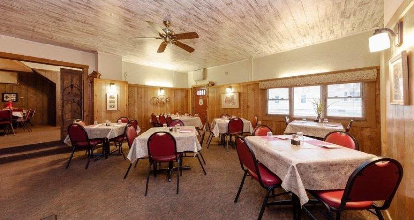 Homefront-dining-2