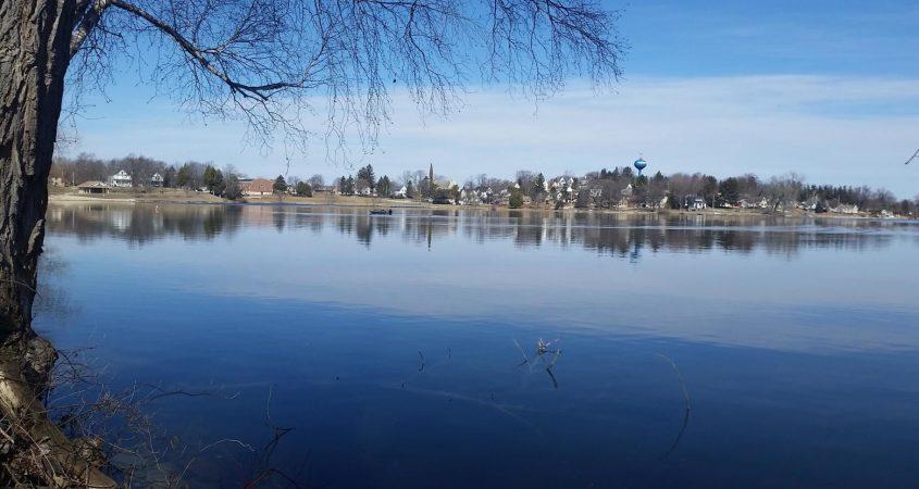 random-lake-pic
